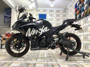 kawasaki ninja 400 dán đổi màu xe máy đen bóng lên tem rời 38